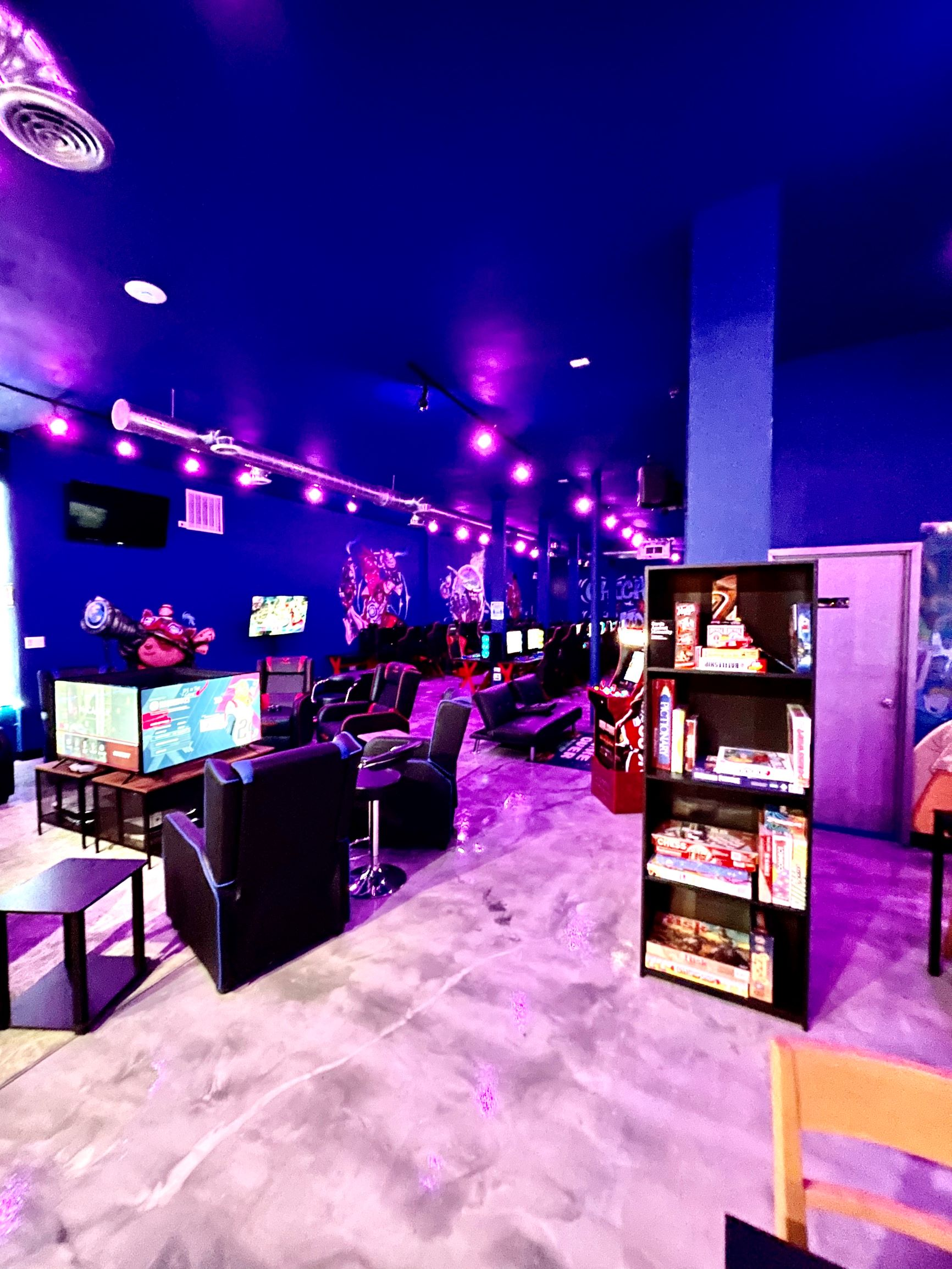 CHICAGO ESPORTS GAMING LOUNGE